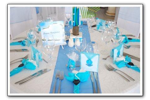 Decoration table bleu espace les colonnades salle de - Deco de table bleu ...