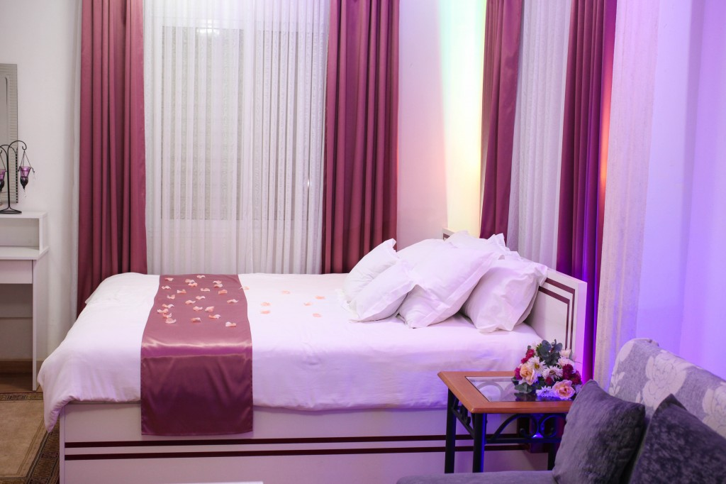 lit-king-size-chambre-nuptiale