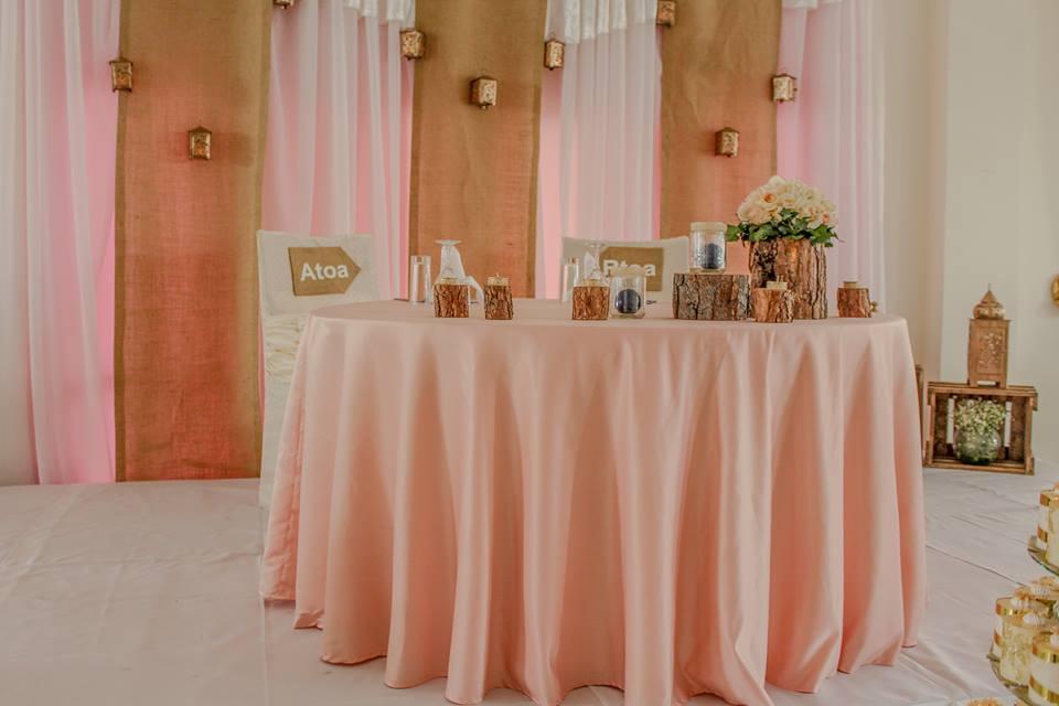1. Mariage T&V -Un mariage rustique - Table des Mariés