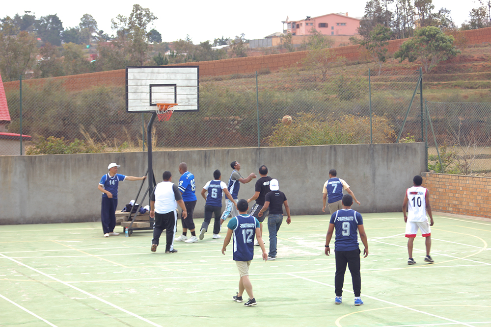 journee-corporate-basketball
