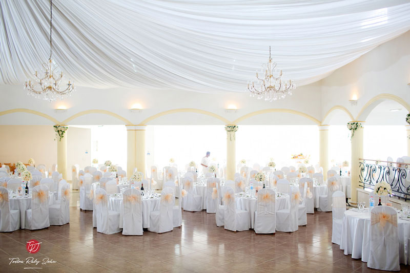 salle-colonnades-glamour