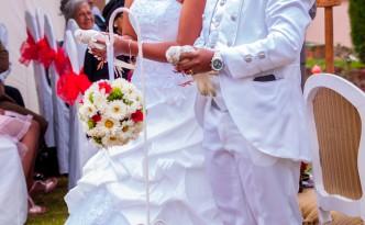 lacher de colombes-mariés-colonnades