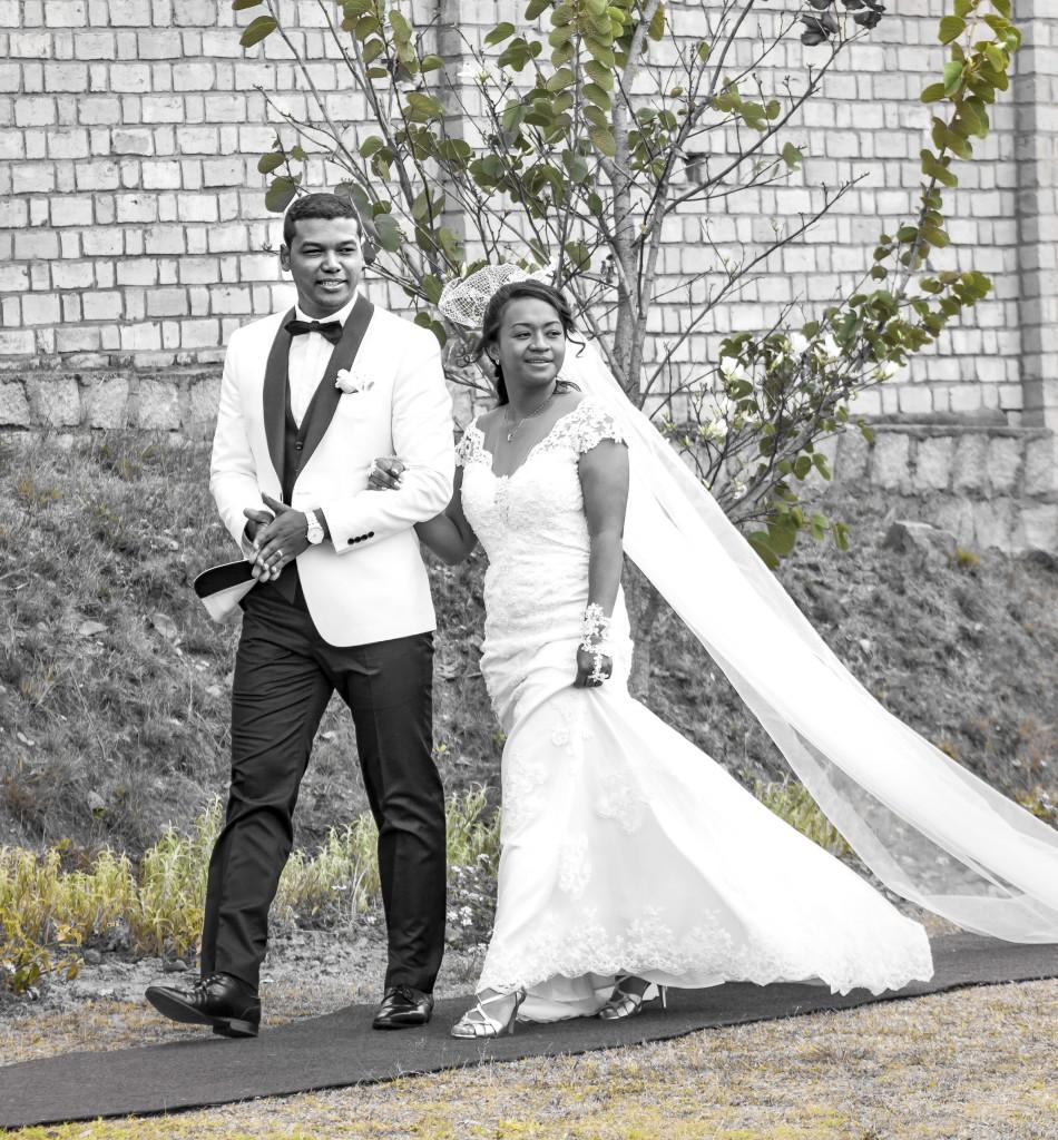 arrivée-mariée-tapis rouge-Colonnades