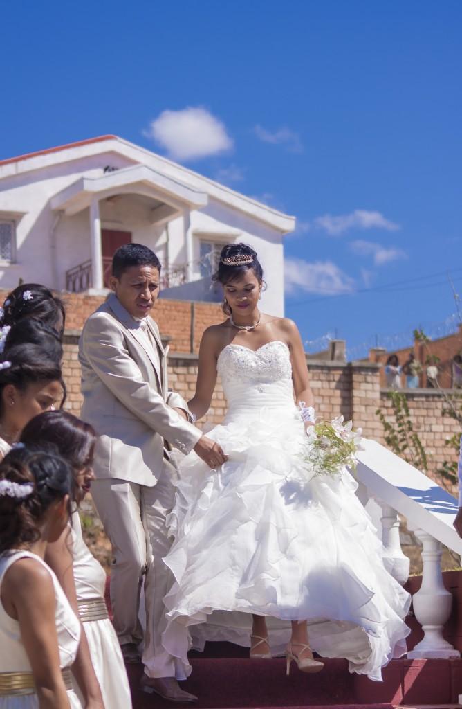 mariés-accueil-jardin-Colonnades
