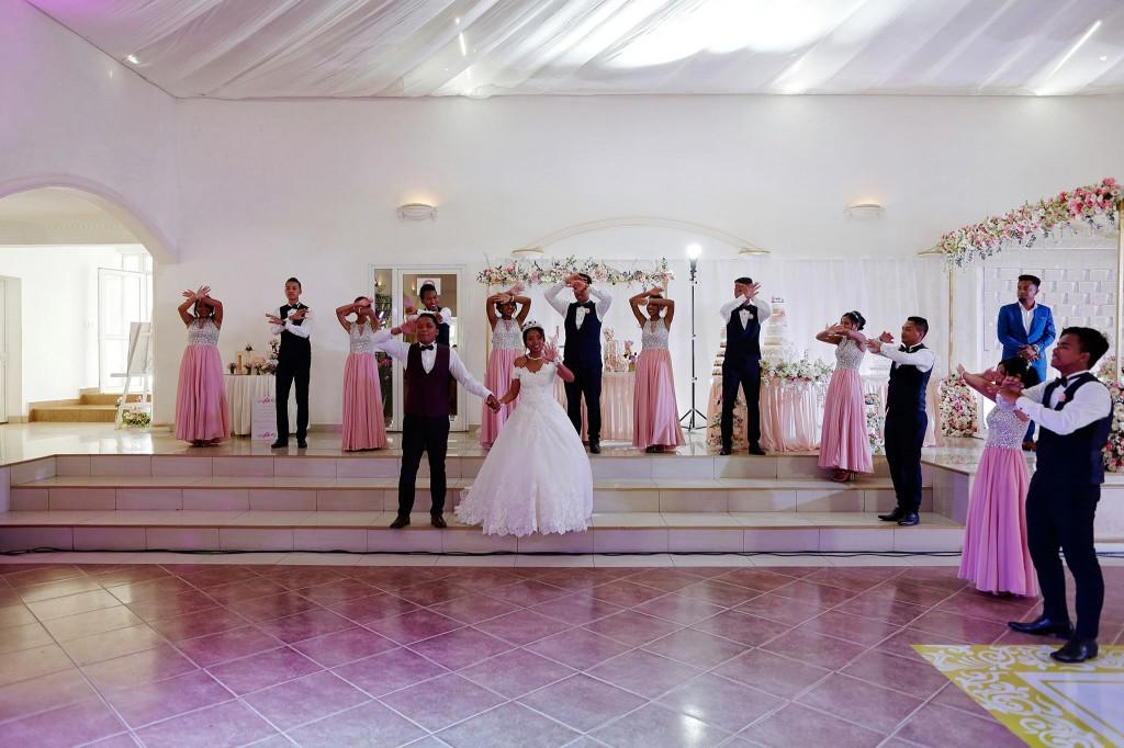 entrée-salle-mariage-colonnades-espace-2