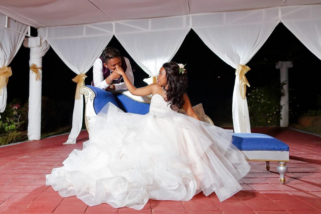Dera & Diamondra-shooting-photo-mariage-colonnades--4