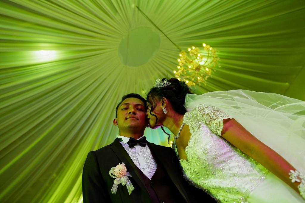 Dera & Diamondra-shooting-photo-mariage-colonnades-3