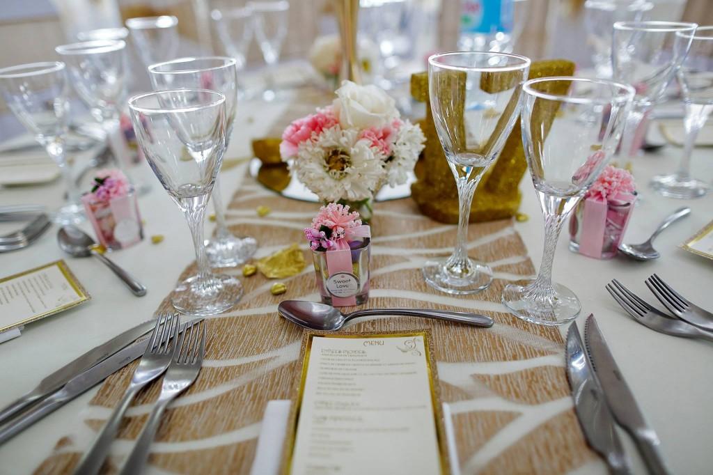 Dera & Diamondra-déco-table-mariage-colonnades-4