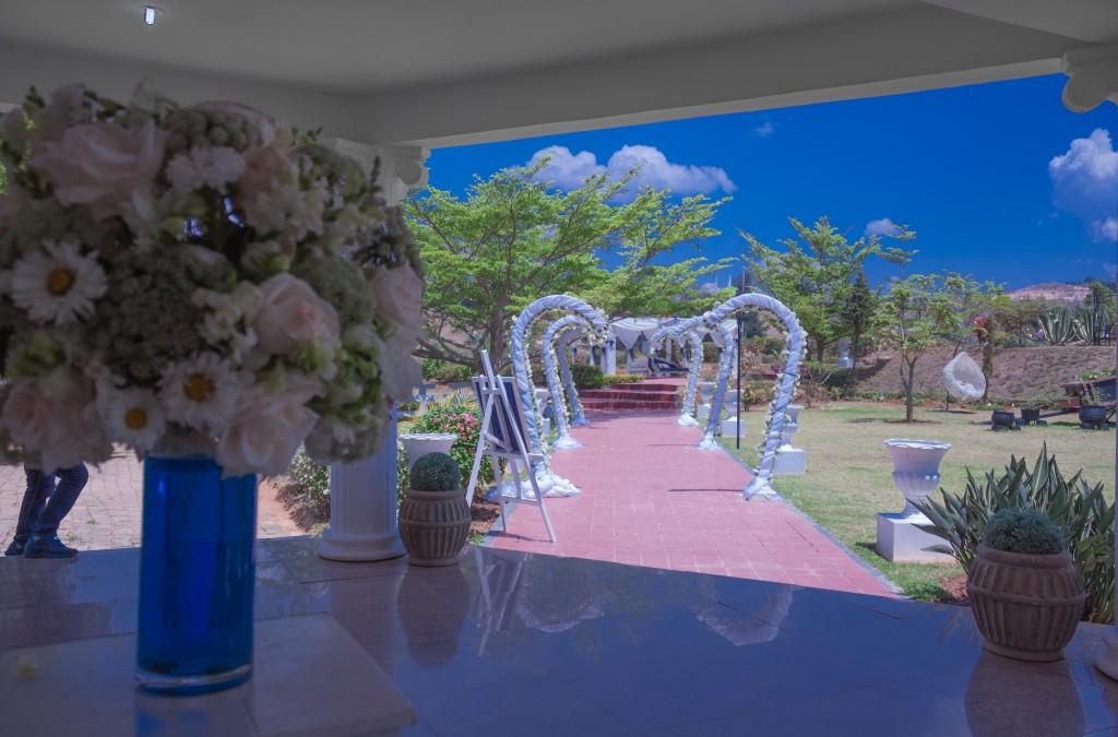 mariage-espace-colonnadesHenintsoa-malala (2 sur 30)
