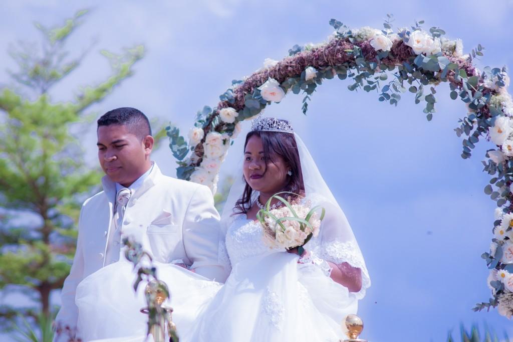 mariage-espace-colonnadesHenintsoa-malala (21 sur 30)