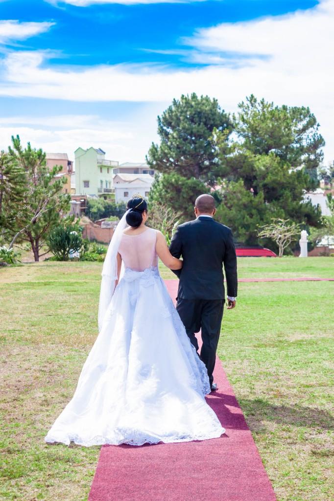 couple-mariage-colonnades-madagascar-3