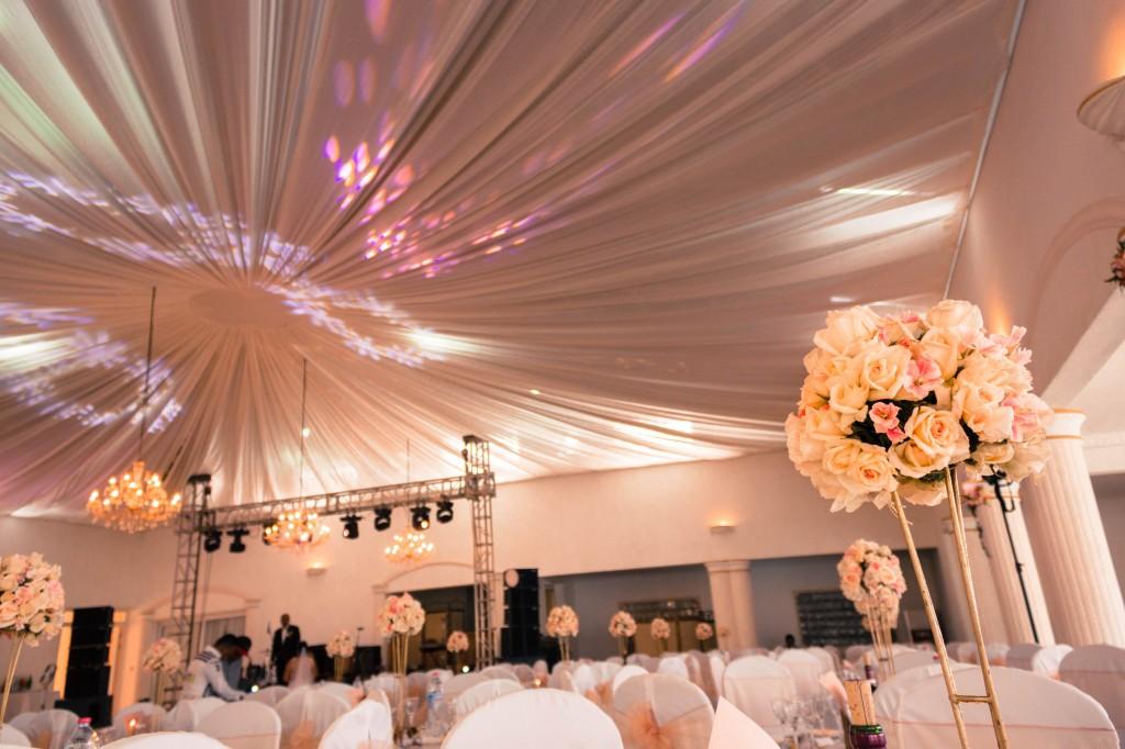décoration-mariage-table-invités-colonnades-mariage-Madagascar6