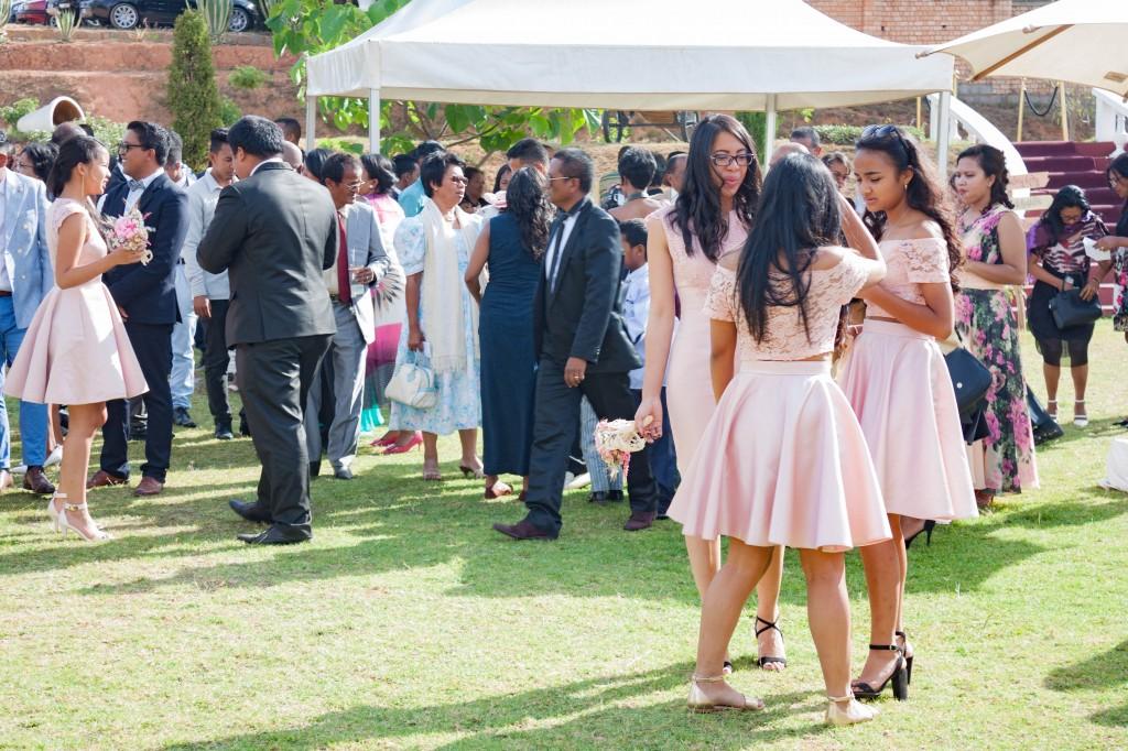 filles d'honneur-mariage-colonnades-mariage-Madagascar4