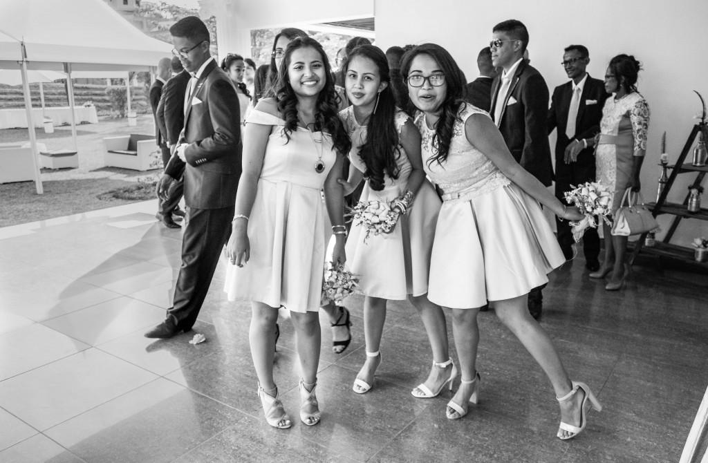 filles d'honneur-mariage-colonnades-mariage-Madagascar-2