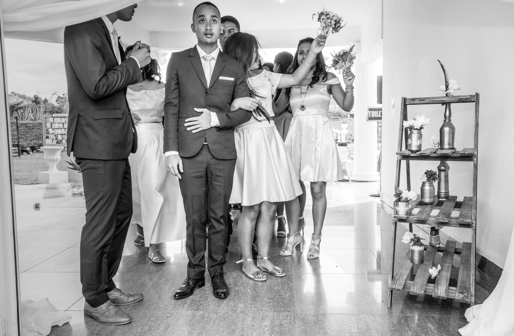 filles d'honneur-mariage-colonnades-mariage-Madagascar