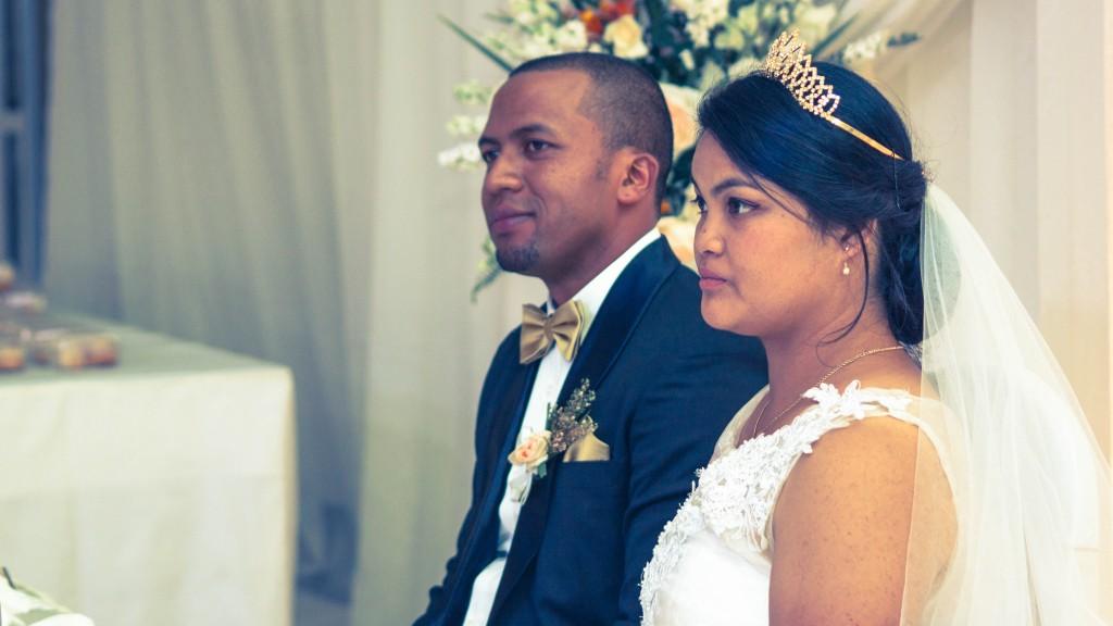couple-mariage-colonnades-madagascar
