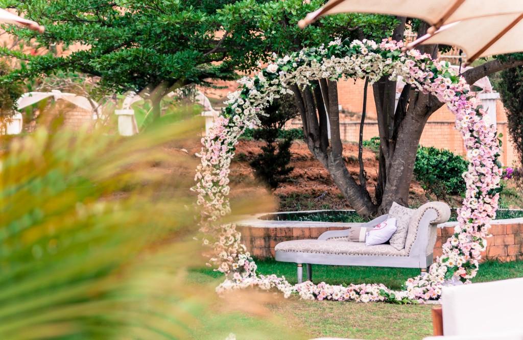 décoration-jardin-mariage-colonnades-antananarivo