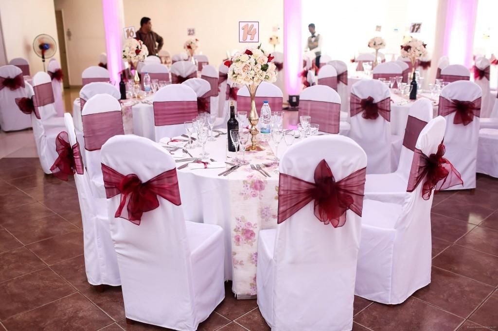 Mariage-Colonnades-table-invités-sitraka&hasina