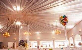 Salle-réception-mariage-colonnades-voile