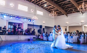 danse-ouverture-mariage-colonnades