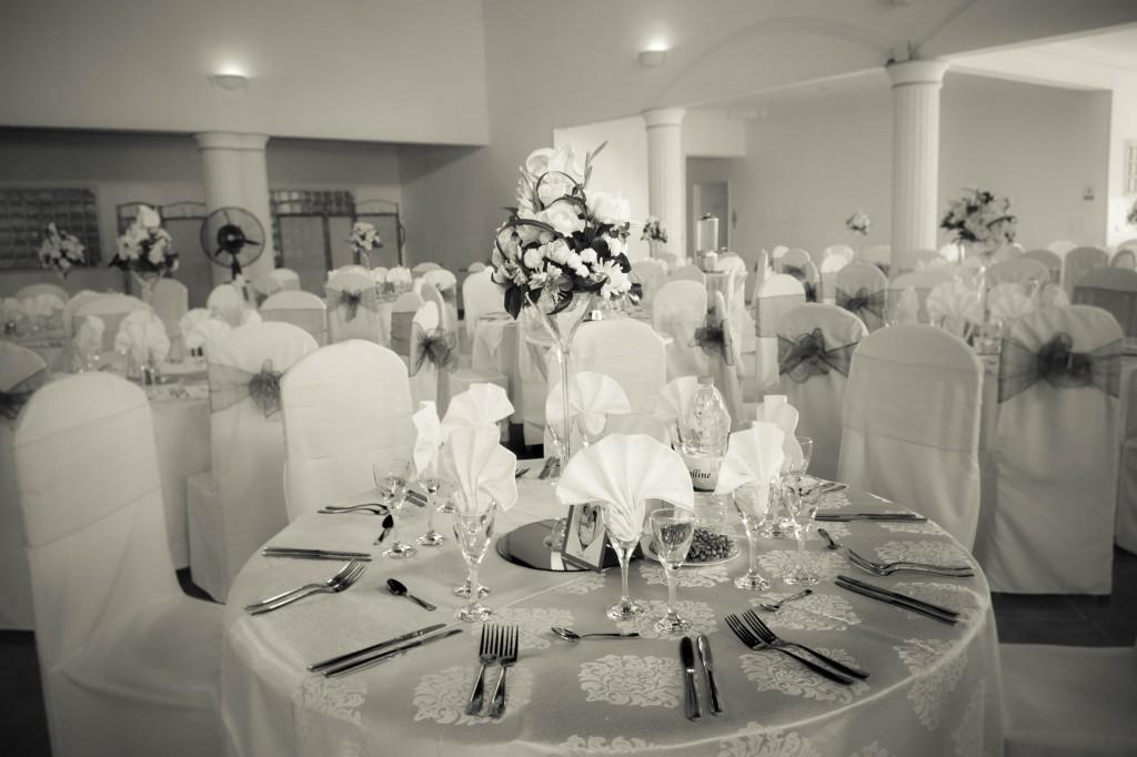 table-mariage-colonnades-décoration