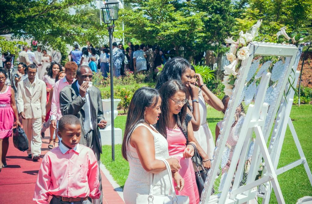 arrivée-invités-mariage-colonnades