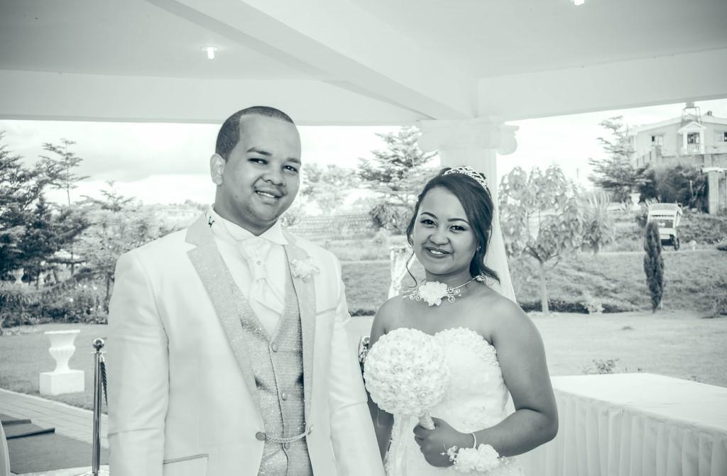 couple-mariage-espace-colonnades