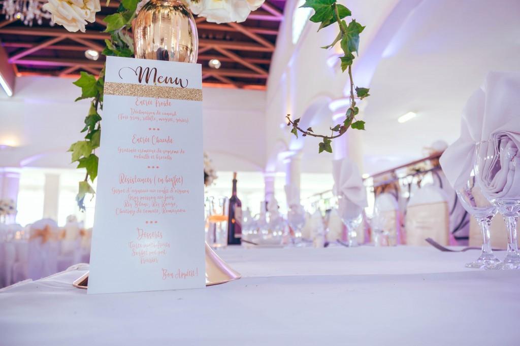 colonnades-fée-des-rêves-décoration-table-invités