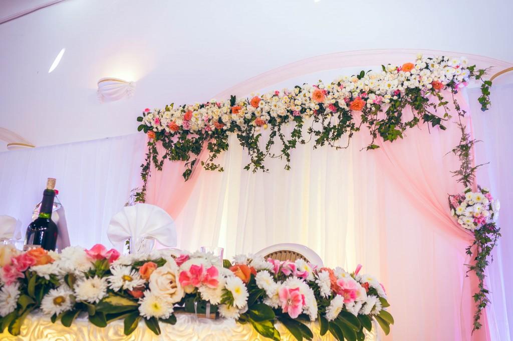 fée-des-rêves-décoration-fleurs-table