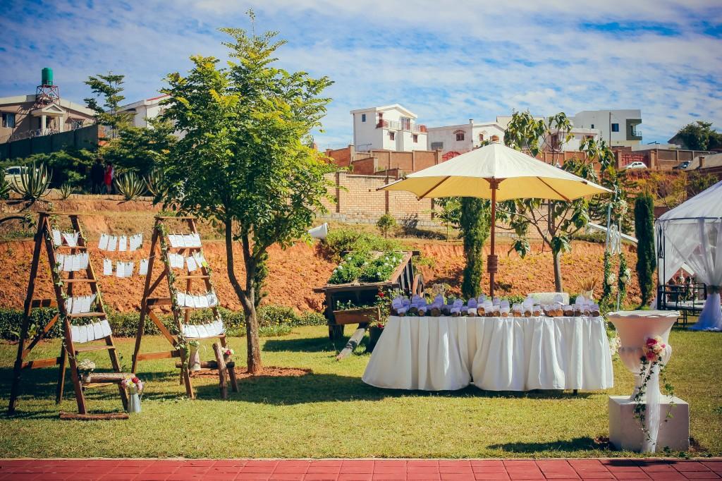 décoration-jardin-mariage-liste-invités
