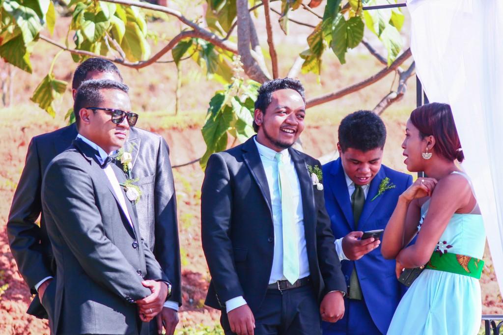 mariage-couple-séance-photo-jardin