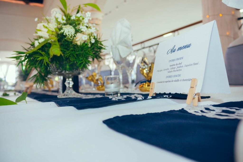 menu-table-invités-fleurs-colonnades-henintsoa-rasolohery