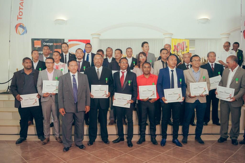 remise-trophée-FSAM-espace-Colonnades-Antananarivo-2