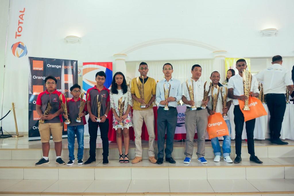 remise-trophées-FSAM-saison-2017-espace-Colonnades-Antananarivo