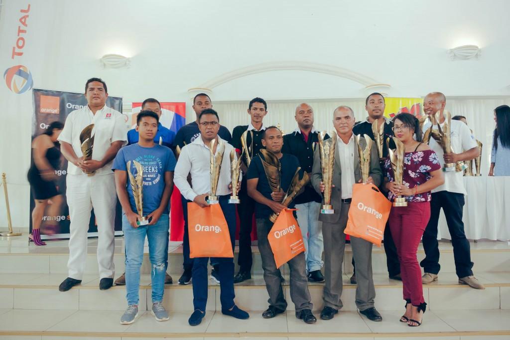 remise-trophées-FSAM-espace-Colonnades-Antananarivo