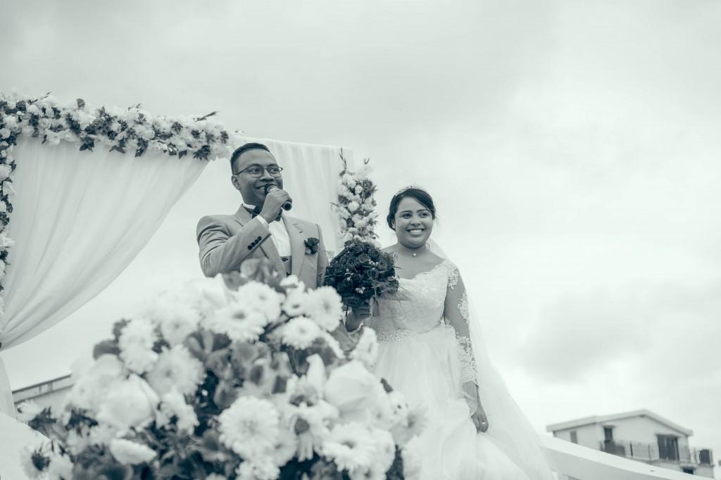 discours-marié-jardin-espace-colonnades