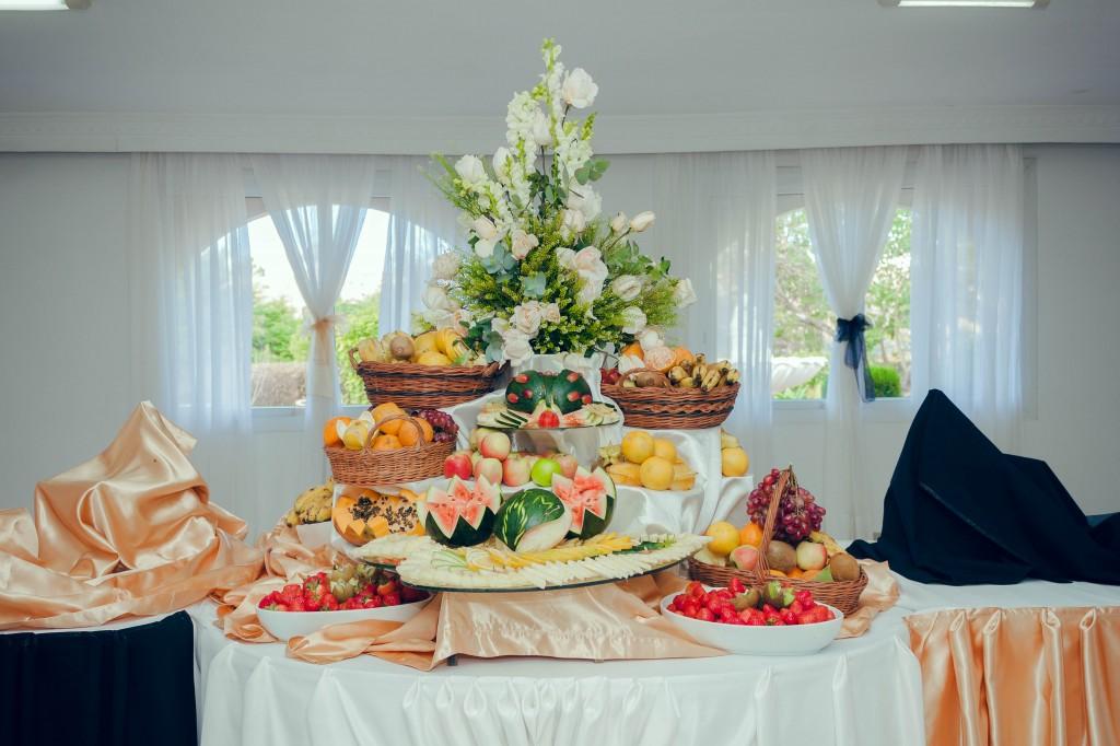 fruits-buffet-mariage-colonnades-Thynema & Mihanta-colonnades