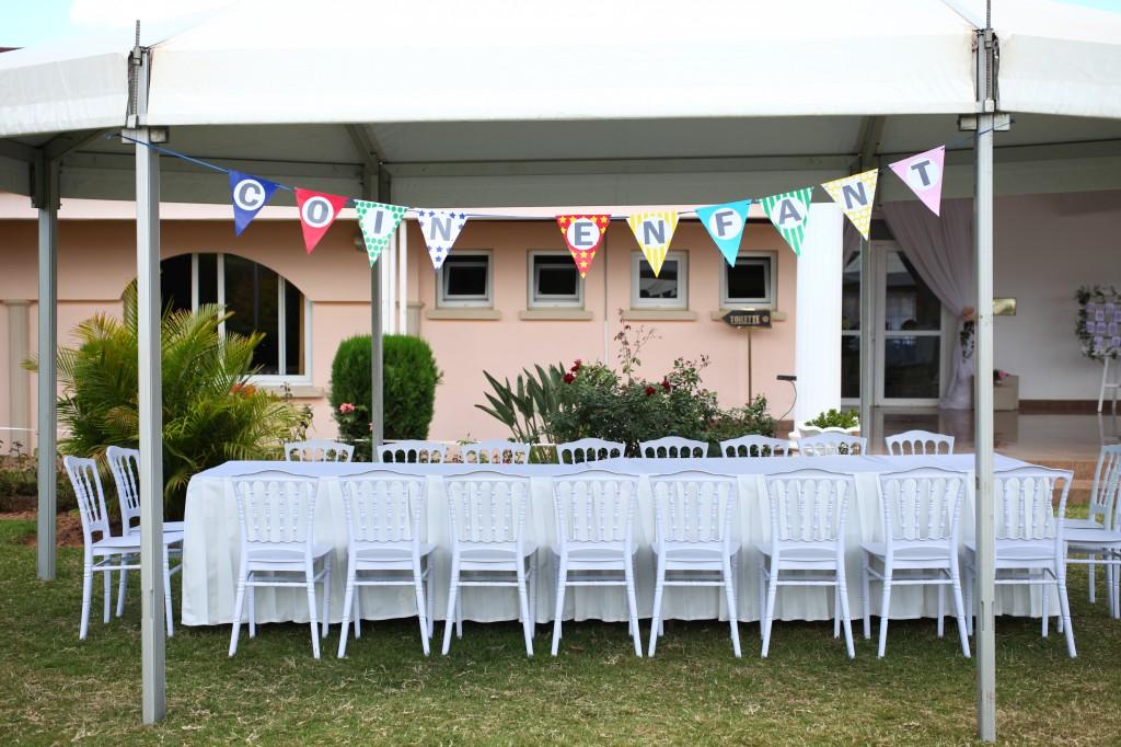 décoration-jardin-coin-enfant-mariage-espace-colonnades-ravaka-hanta
