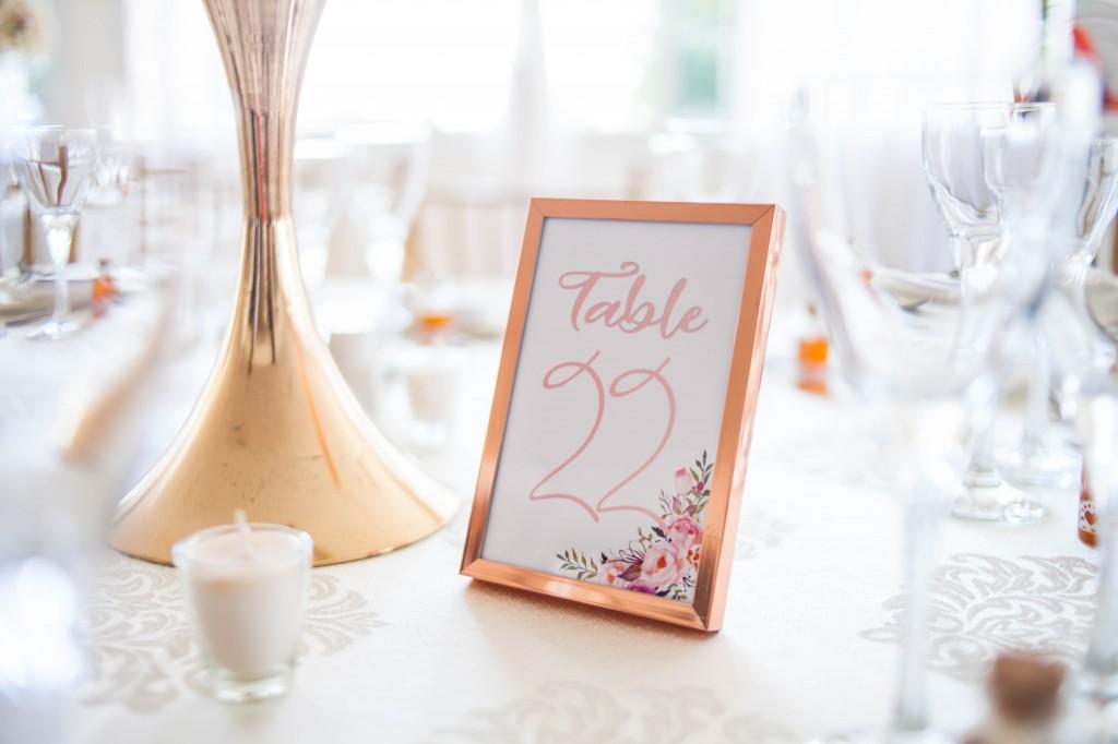 numéro table colonnades mariage Heriniaina Haritiana