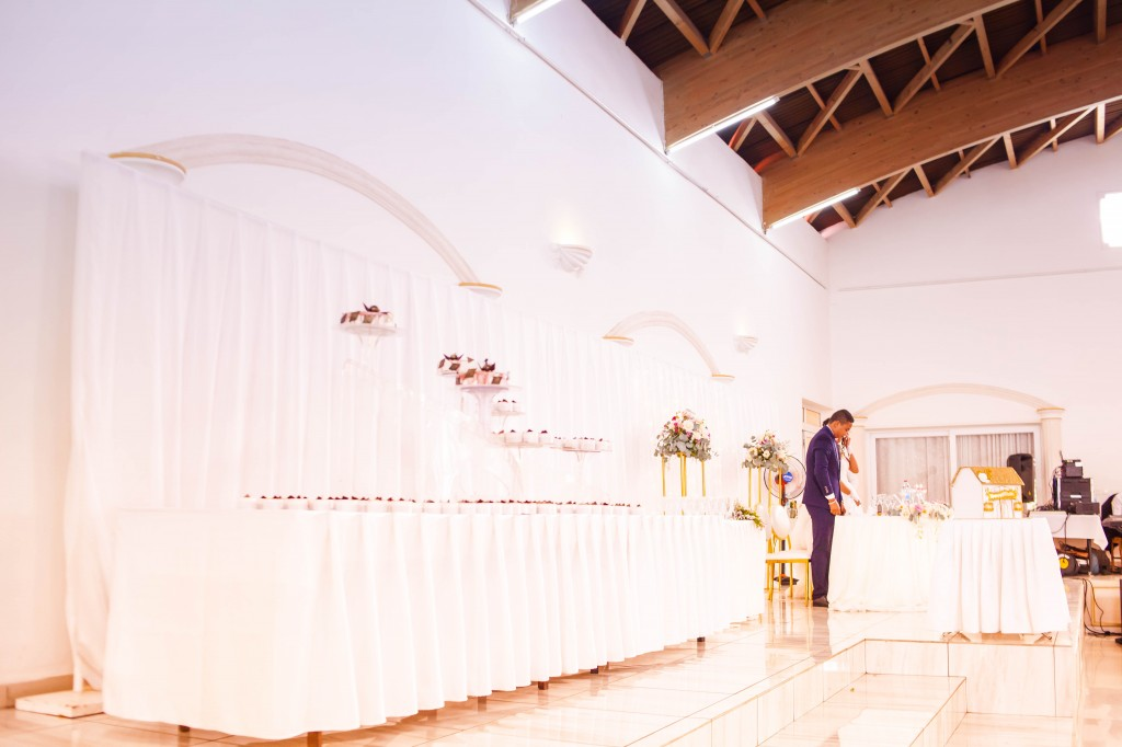 Mariés salle reception Colonnades