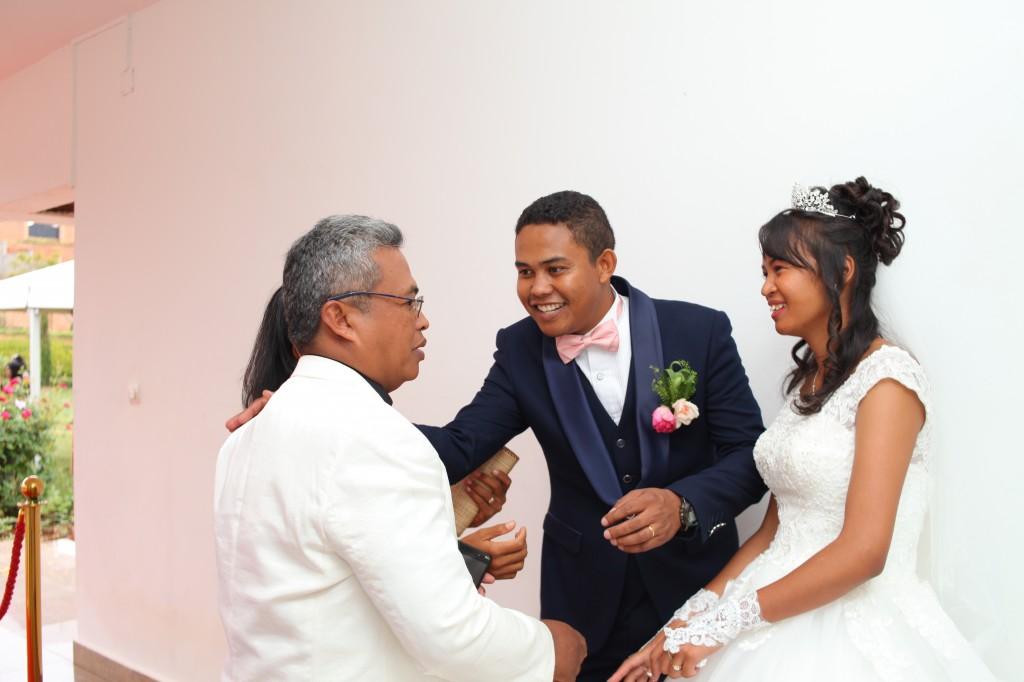 Tapis rouge mariage Tsilavo Mbolatiana (5)