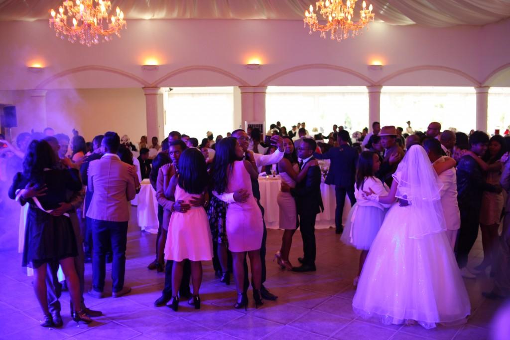 mariage-espace-colonnades-hasina-lalaina-ambiance-afindrafindrao (2)