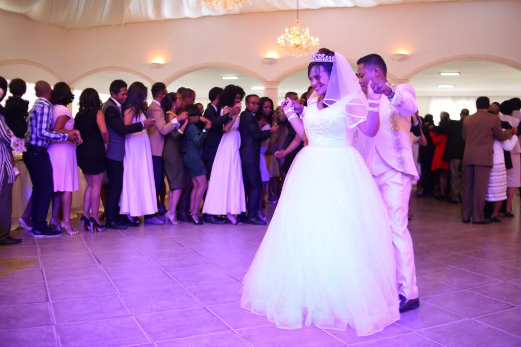 mariage-espace-colonnades-hasina-lalaina-ambiance-afindrafindrao