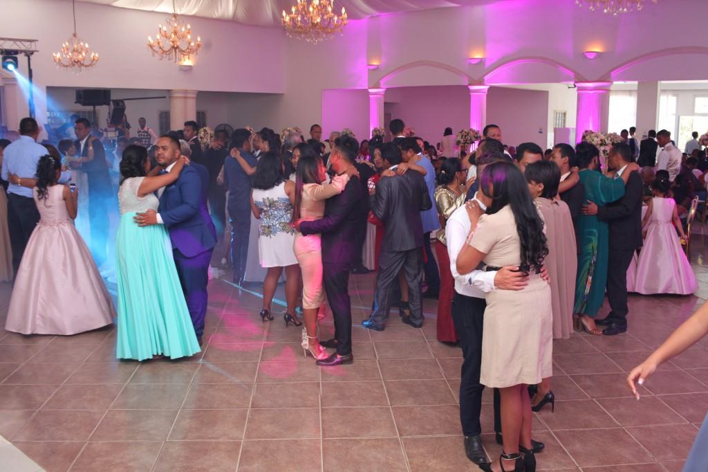 Ambiance en salle mariage Colonnades Mika & Maeva (3)