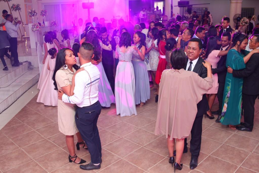 Ambiance en salle mariage Colonnades Mika & Maeva (4)