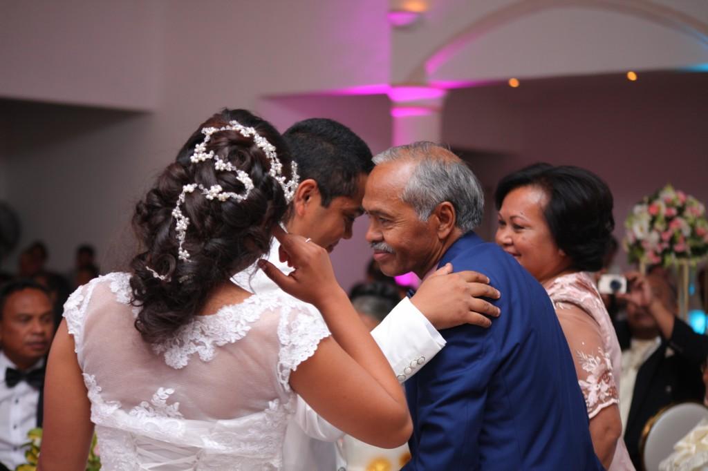 Cérémonie gateau mariage Colonnades Tanà Mika & Maeva (6)