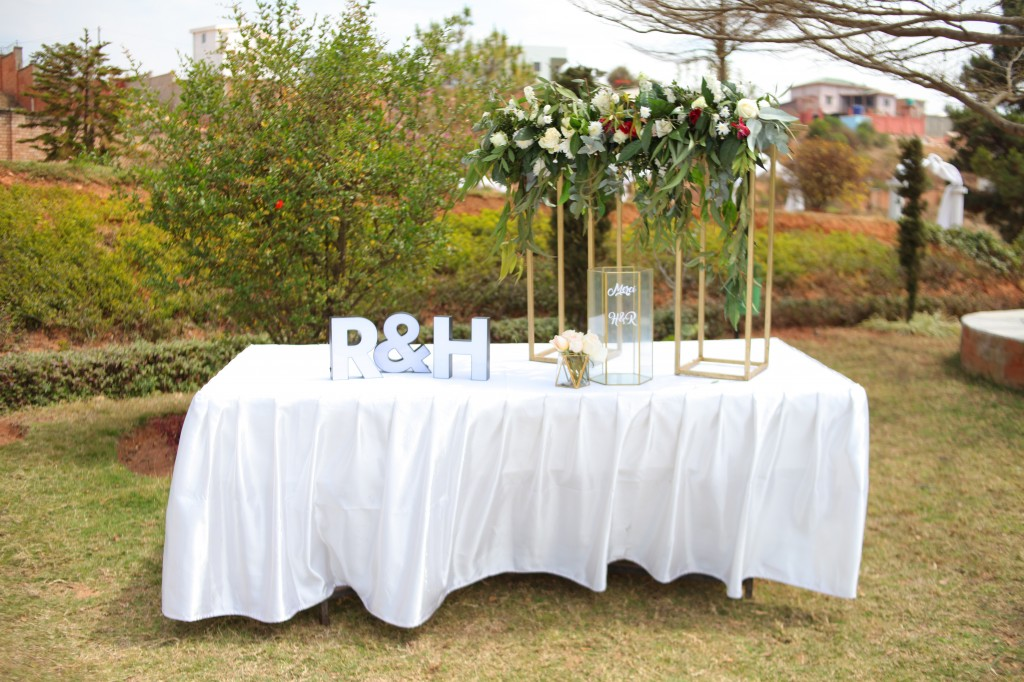 Déco jardin mariage espace ny Hasina & Ronnie (2)