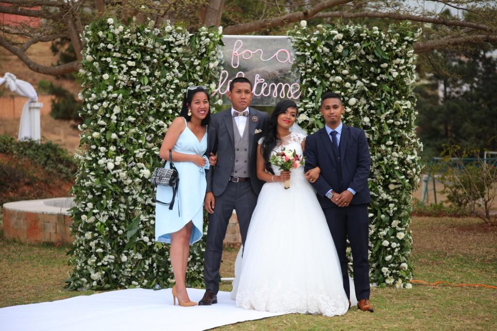 Scéance photo jadin mariage Ny Hasina Ronnie Colonnades (9)