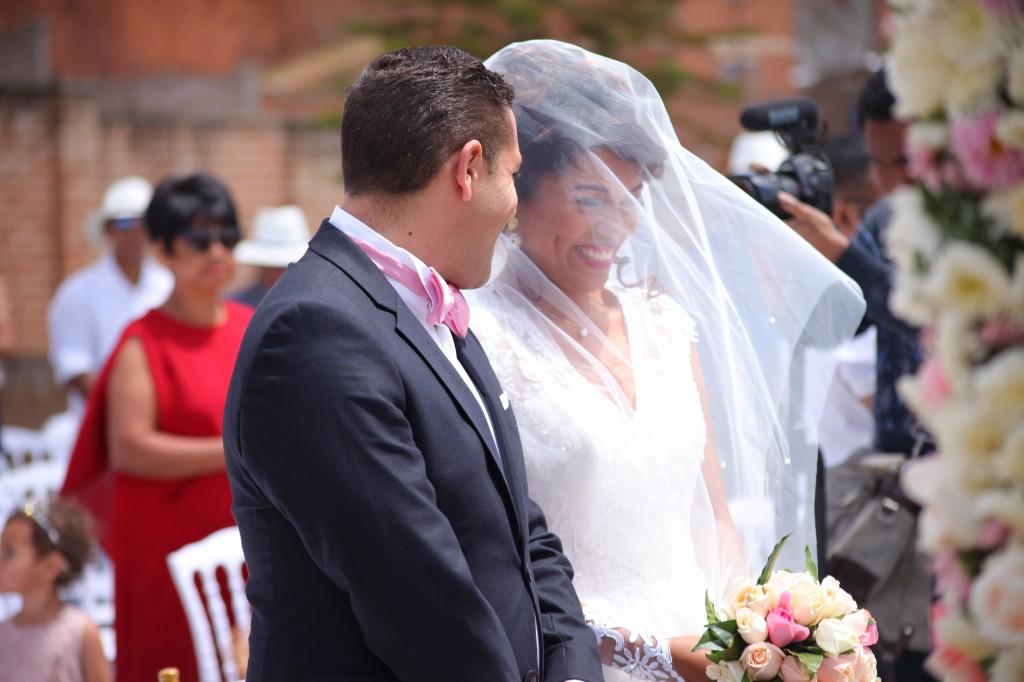 cérémonie mariage champêtre colonnades photosary emilio elviane (12)