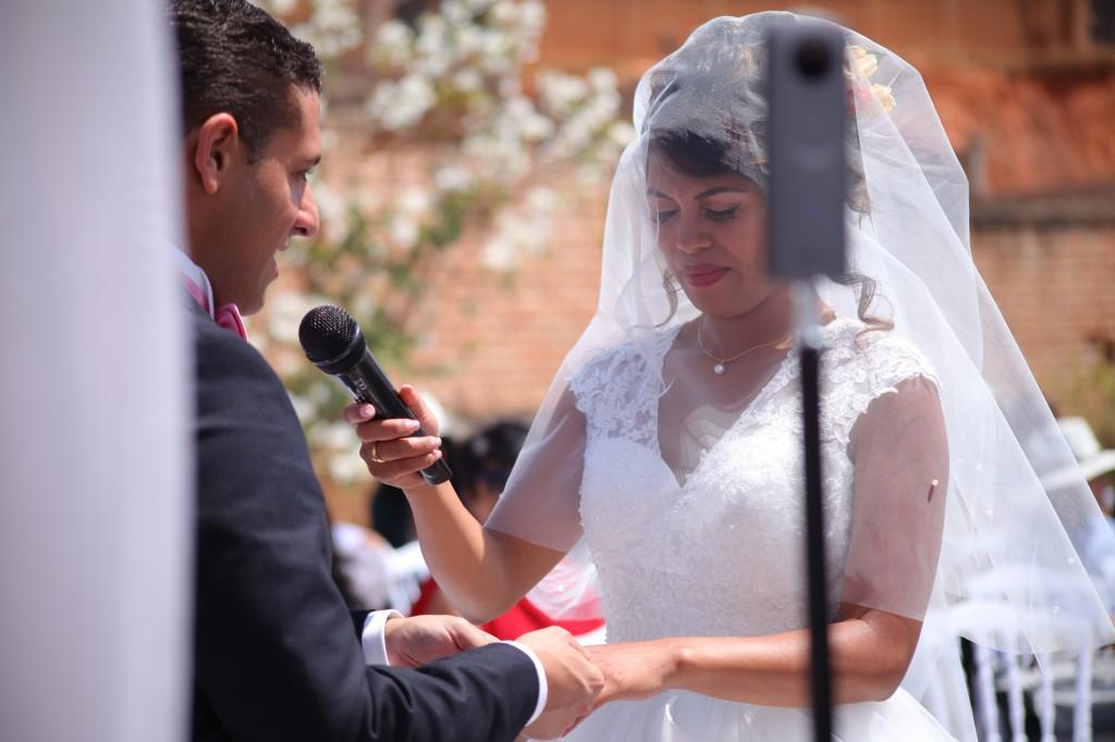cérémonie mariage champêtre colonnades photosary emilio elviane (6)